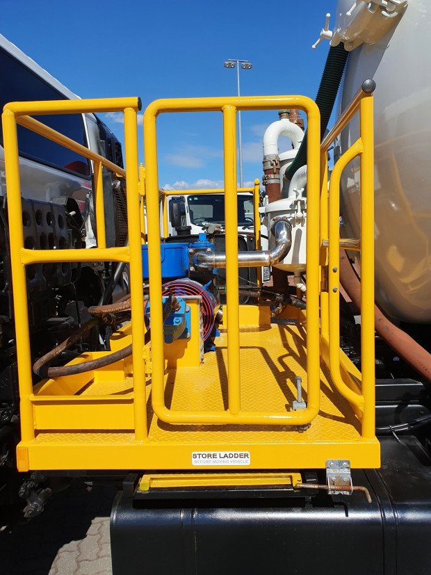 2009 Hino FM 2632-500 Series AUTO 6x4 Vacuum/Waste Tanker White