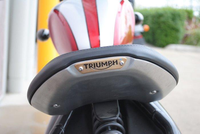 2017 Triumph BONNEVILLE BOBBER Red