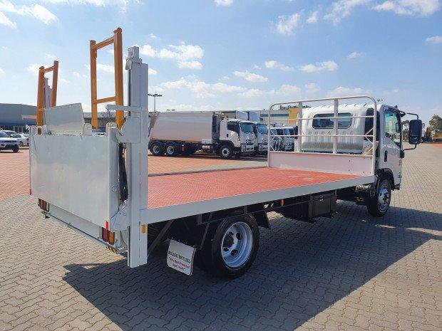 2009 Isuzu NQR450 Premium 4.5 Ton Tray and Lift