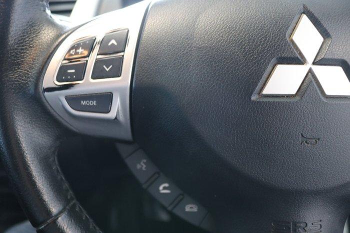 2014 Mitsubishi Triton GLX-R MN MY15 4X4 Dual Range White