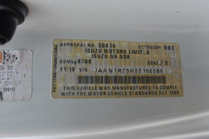 2010 ISUZU NQR 450 WHITE