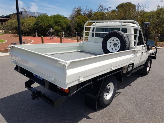 1992 TOYOTA Landcruiser HZJ75RP Cab Chassis Single Cab 2dr Man 5sp 4x4 1000kg 4.2D White