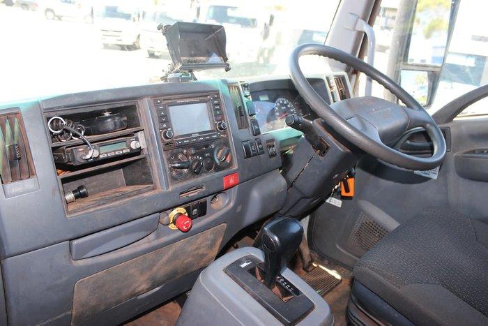 2015 ISUZU FTS800 CREW CAB AUTO 4X4 WHITE