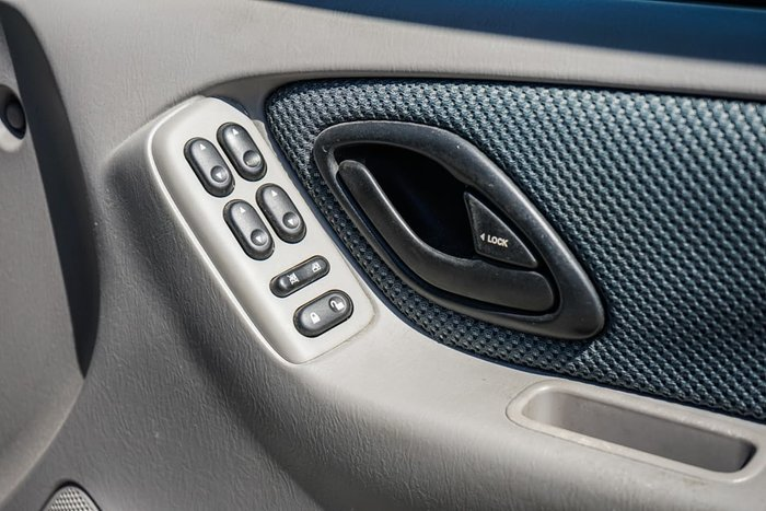 2005 Mazda Tribute Classic MY04 4X4 On Demand Silver