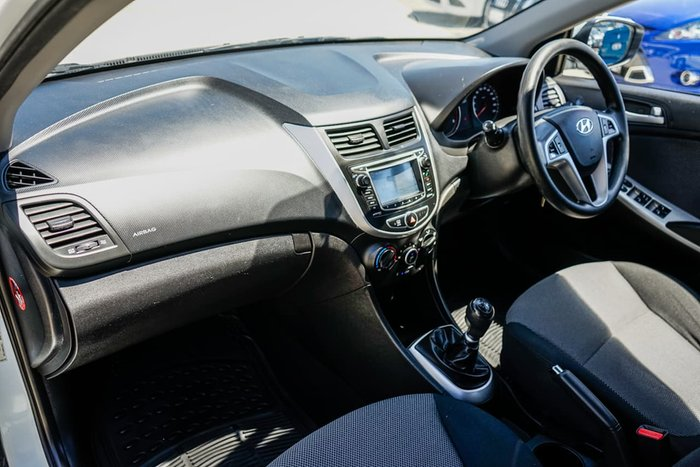 2013 Hyundai Accent Active RB White