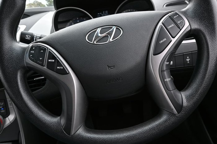 2012 Hyundai Elantra Active MD White