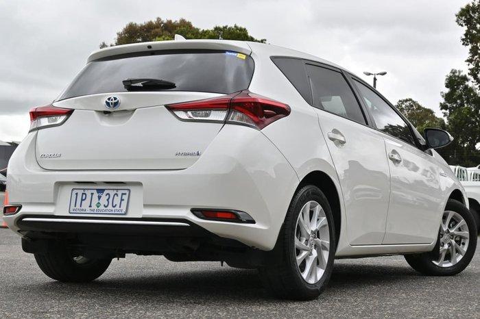2018 Toyota Corolla Hybrid ZWE186R White