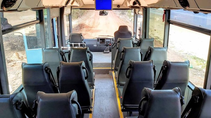 2015 IBUS 28 SEATS WHITE