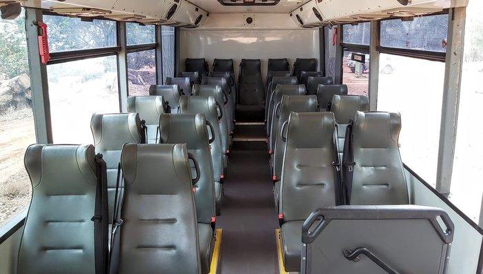 2015 ISUZU 4X4 BUS WHITE