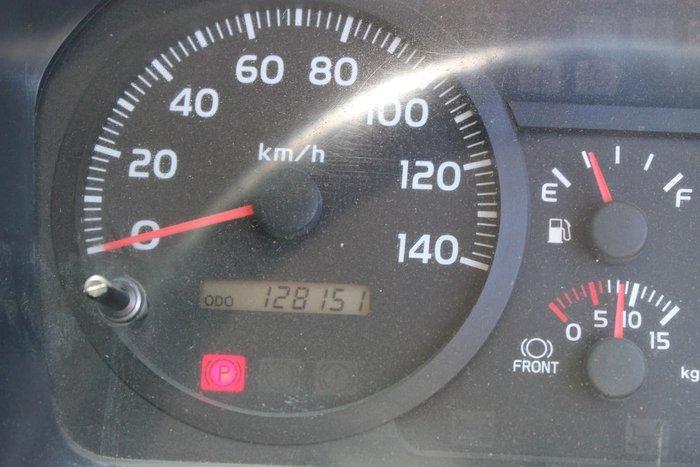 2010 HINO FG 1527 CREW CAB WHITE