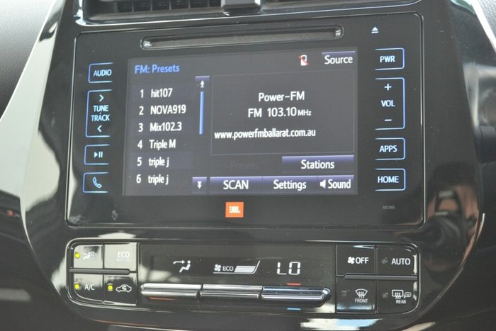 2017 Toyota Prius ZVW50R CRYSTAL PEARL