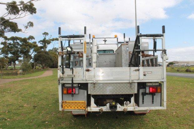 2012 Isuzu NPS300 4x4 Service Body White