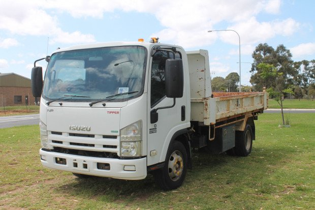 2011 Isuzu NPR300 Medium Tipper Low Kms White