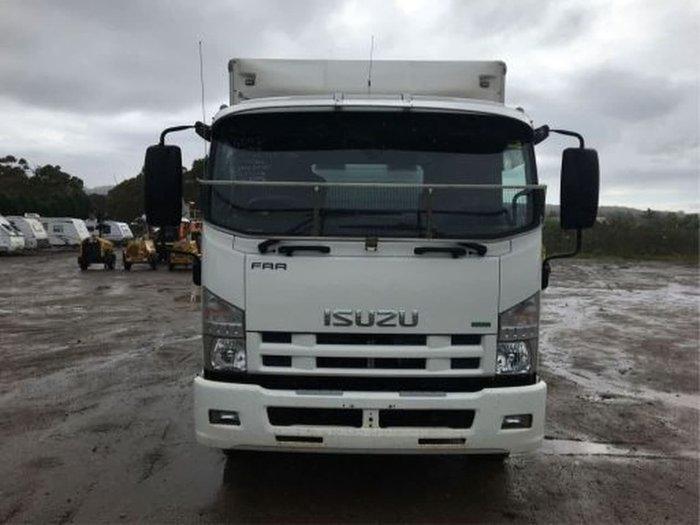 2014 ISUZU FRR600 WHITE