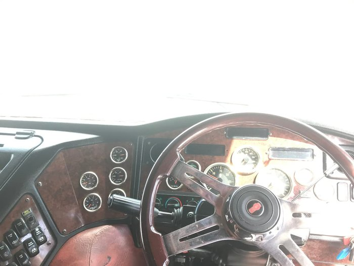 2011 KENWORTH K108 AERODYNE White