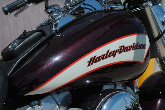 2005 HARLEY-DAVIDSON FLSTC HERITAGE SOFTAIL CLASSIC Red
