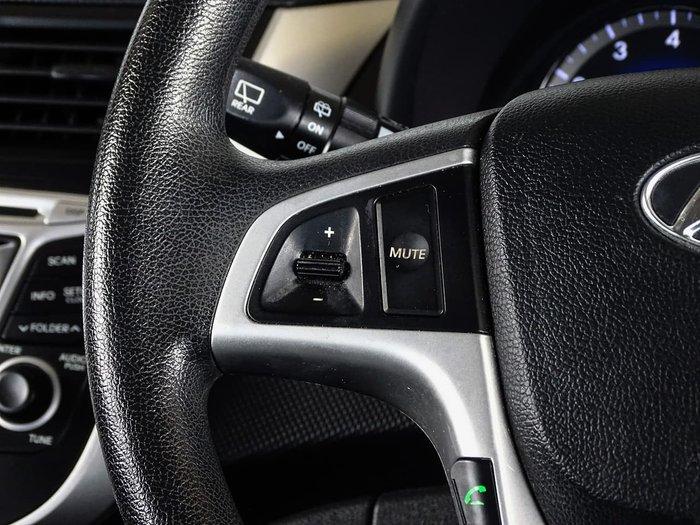 2011 Hyundai Accent Active RB White