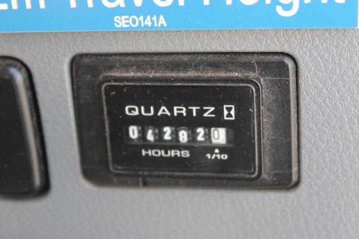 2009 MITSUBISHI FN600 WHITE