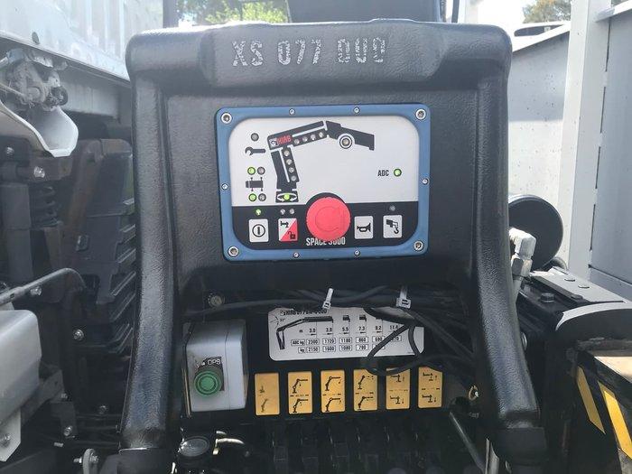 2012 ISUZU FVD 1000 WHITE