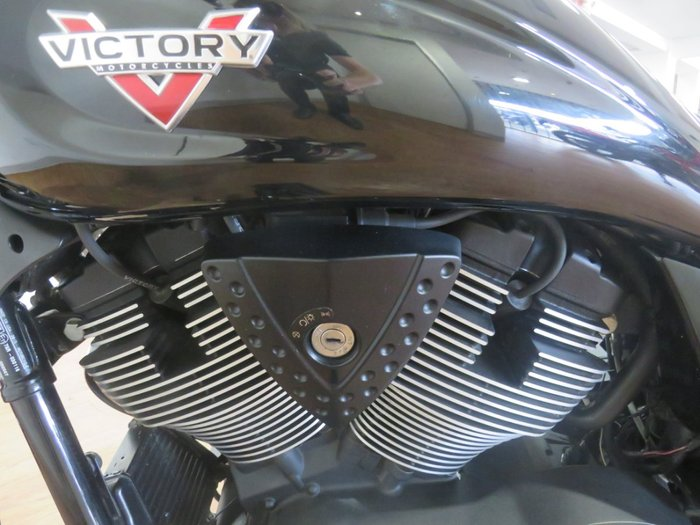 2014 Victory HAMMER S BLACK