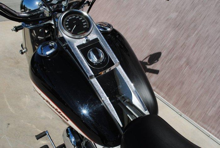 2006 HARLEY-DAVIDSON FLSTCI HERITAGE S/TAIL CLASSIC Black