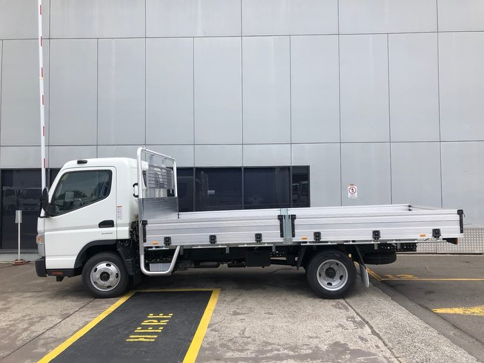 2020 FUSO CANTER 515 White