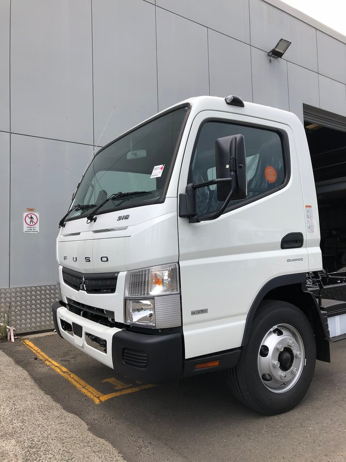 2020 FUSO MITSUBISHI CANTER 918 LWB AMT SAFETY PACK CAB CHASSIS White