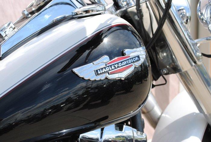 2004 HARLEY-DAVIDSON FLSTN SOFTAIL DELUXE Black