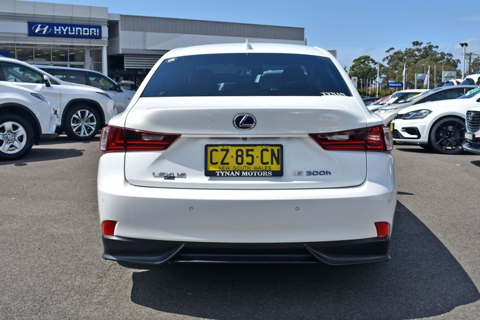 2014 Lexus IS IS300h Luxury AVE30R White