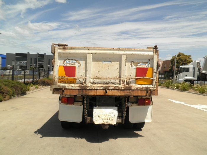 2011 HINO HINO 700 28/44 6X4 WHITE