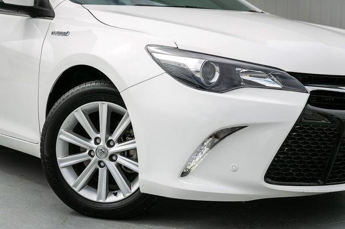 2017 Toyota Camry Atara S AVV50R White