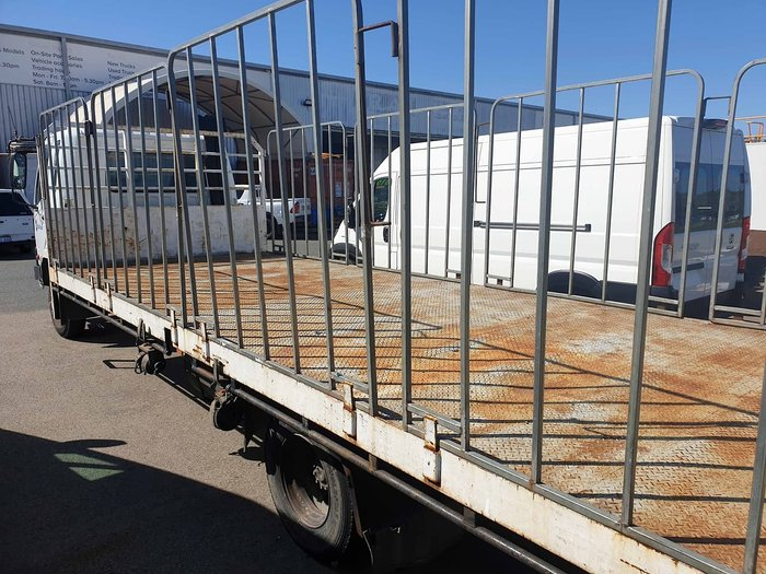 2004 MITSUBISHI STEEL TRAY & GATES White