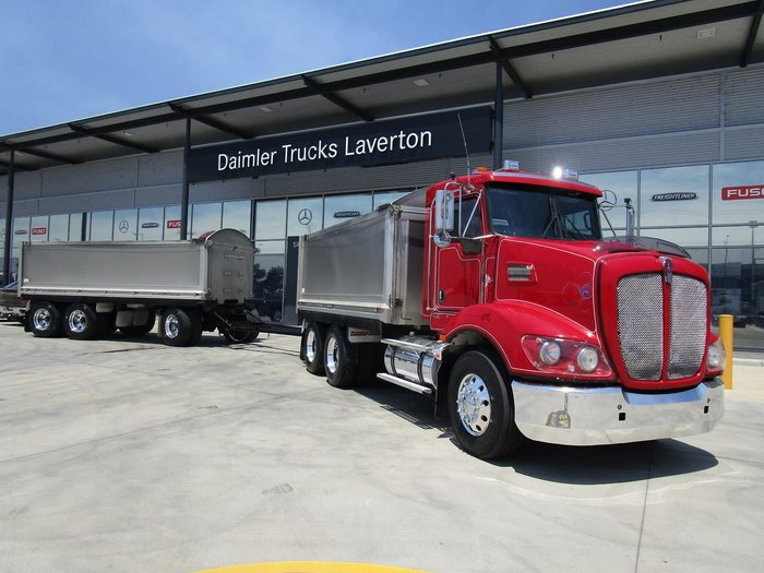 2012 KENWORTH T403 TRUCK & TRAILER COMBO RED