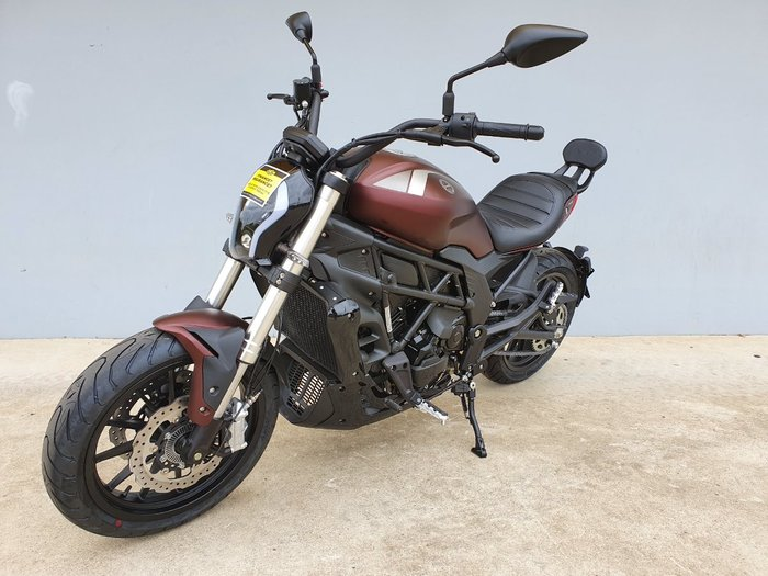 2020 Benelli 502C Red