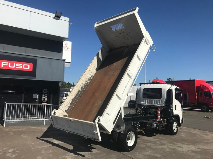 2013 ISUZU FRR500 TIPPER White
