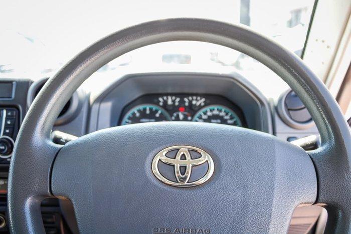 2016 Toyota Landcruiser Workmate Troopcarrier VDJ78R 4X4 Dual Range White