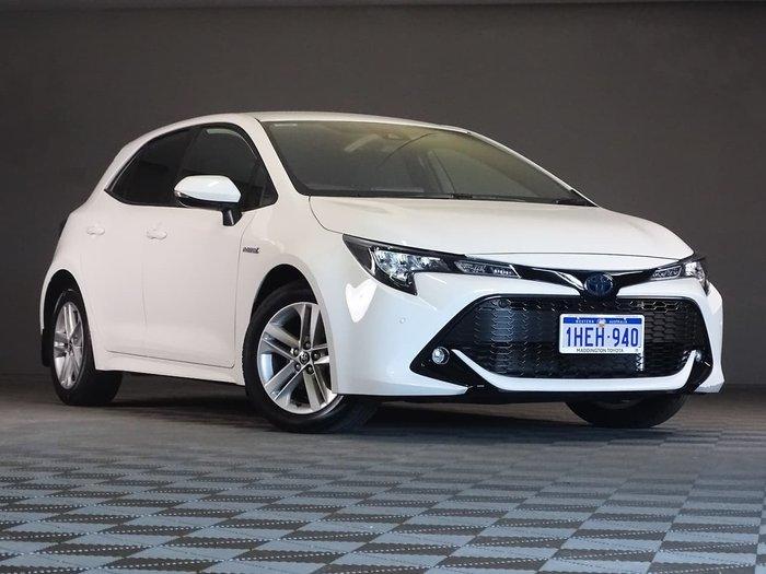 2020 Toyota Corolla SX Hybrid ZWE211R White