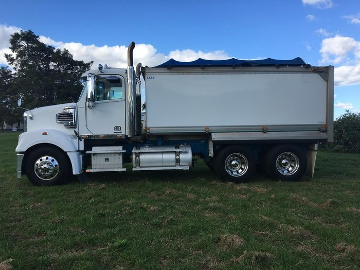 2014 FREIGHTLINER CORONADO 114 DAY CAB TIPPER White