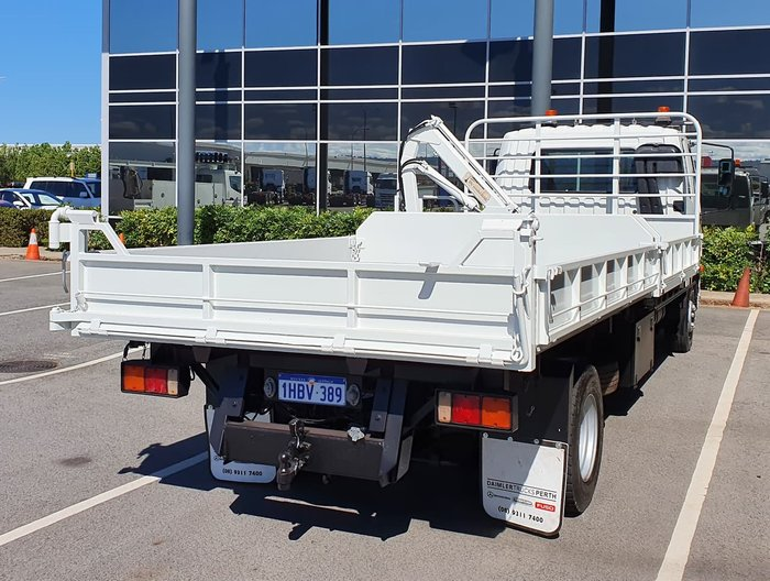 2011 FUSO 1024 FIGHTER WHITE