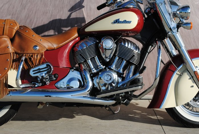 2016 Indian CHIEF VINTAGE Indian Red/Ivory Cream