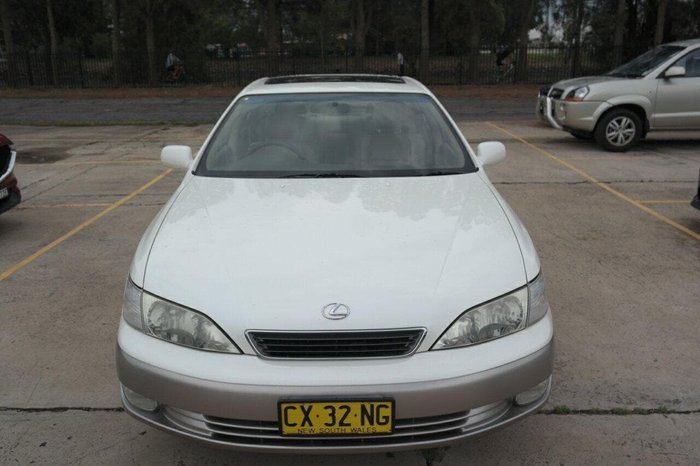 1997 Lexus ES ES300 LXS MCV20R White