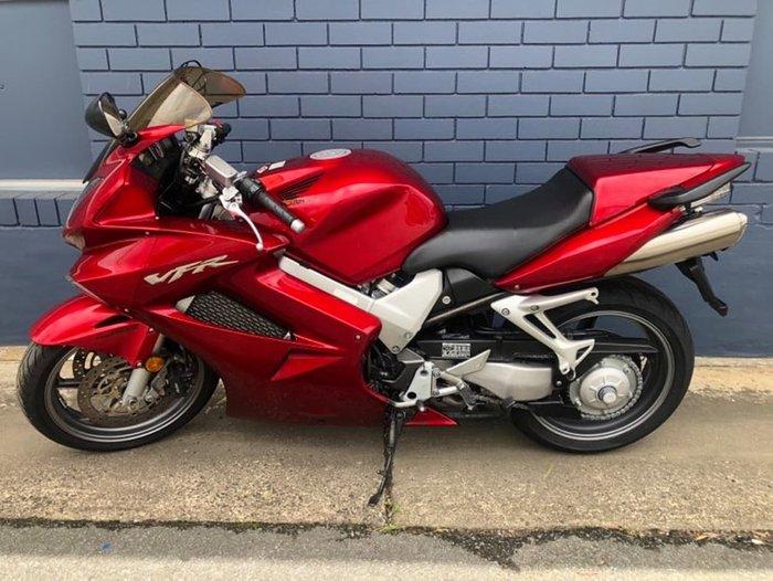 2008 HONDA VFR800FI Red
