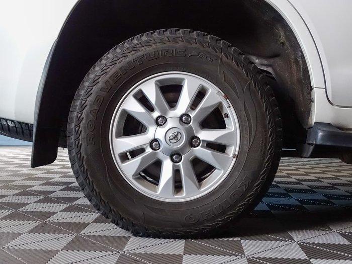 2013 Toyota Landcruiser GXL VDJ200R MY12 4X4 Constant White