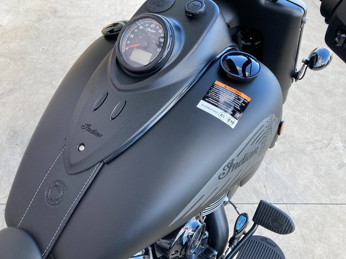 2021 Indian 2021 INDIAN 1900CC CHIEF VINTAGE DARK HORSE BLACK SMOKE CRUI Black
