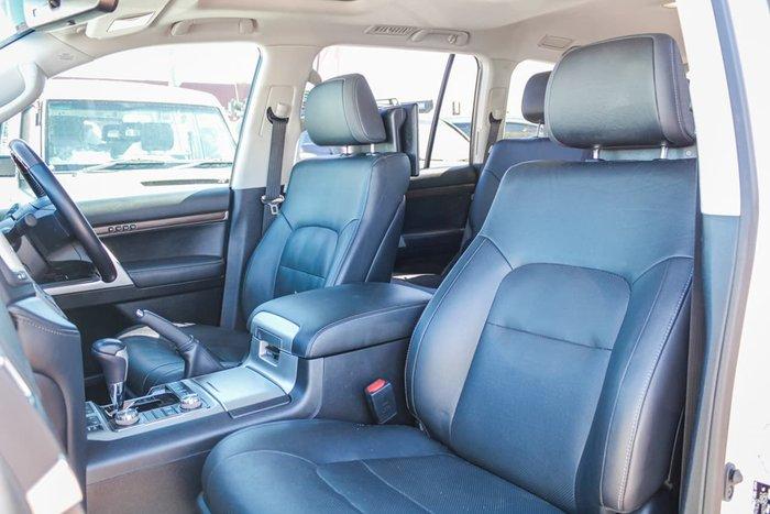 2019 Toyota Landcruiser Sahara VDJ200R 4X4 Dual Range White