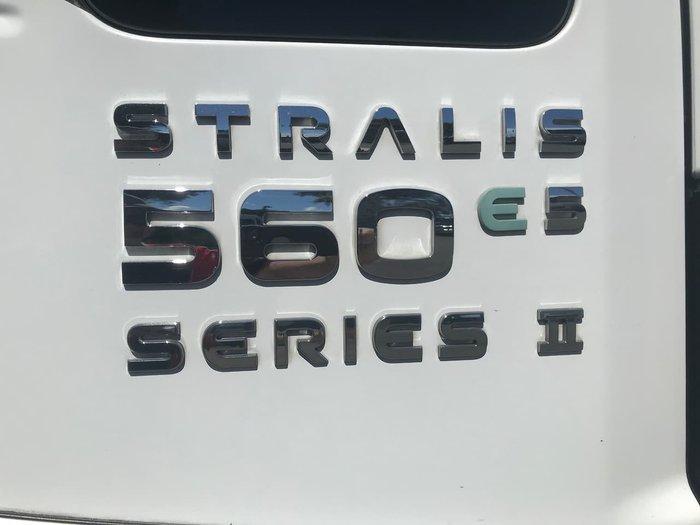 2015 IVECO STRALIS White