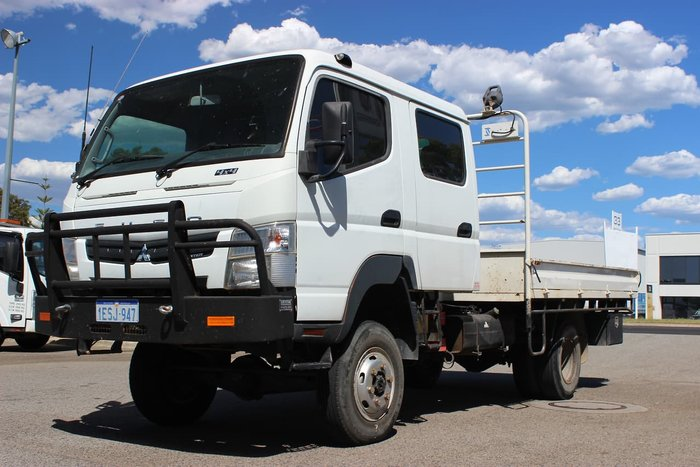 2013 FUSO CANTER WHITE