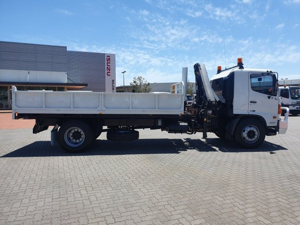 2009 Hino FG 1527-500 Series Tipper and Crane Combo