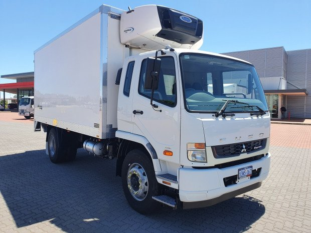2014 Fuso Fighter 10 8 Pallet Freezer and Lift
