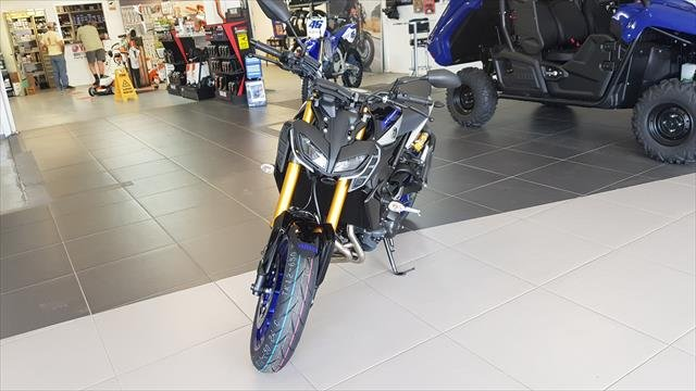 2020 YAMAHA Street MT-09 SP with Ohlins Silver Blu Carbon